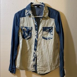 FOREVER 21 Bleach Wash Chambray Button Down Top